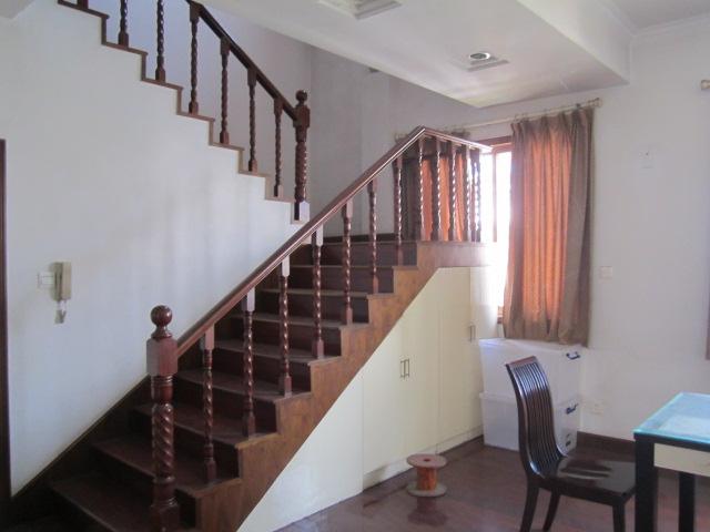 越阳小区顶楼带阁楼有露台,实验小学,227平227万
