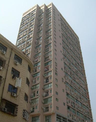 房型:2室2厅面积:110.00平米装修:毛坯楼层:7/19层朝向:房龄