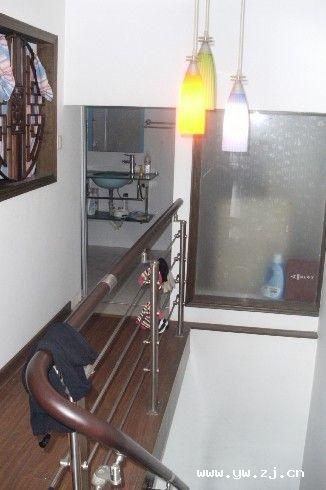 经贝家园三室3万8一年出租