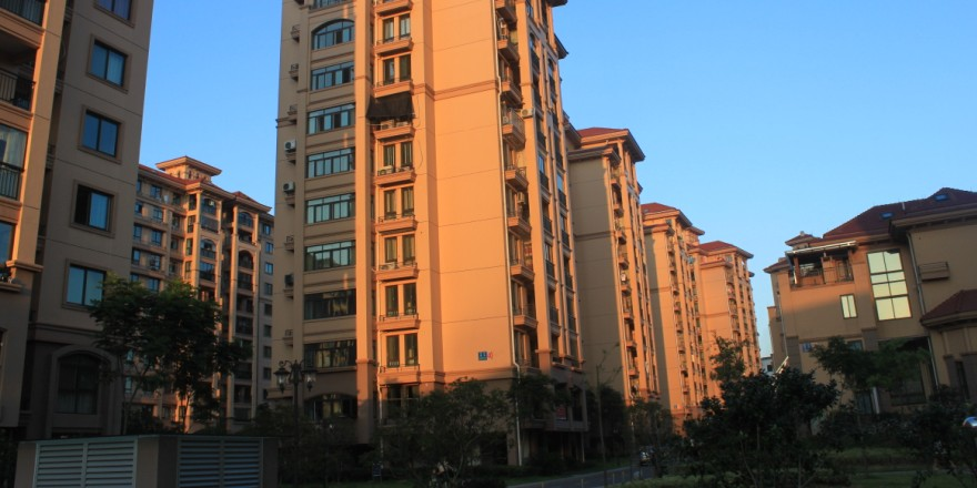 诚心出售凤凰名城94平两室两厅带装修93万楼层好 高清图片