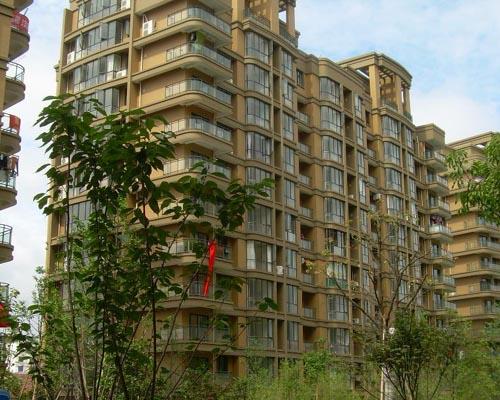 大都公寓 48平 10楼 精装修 92万送家具电器