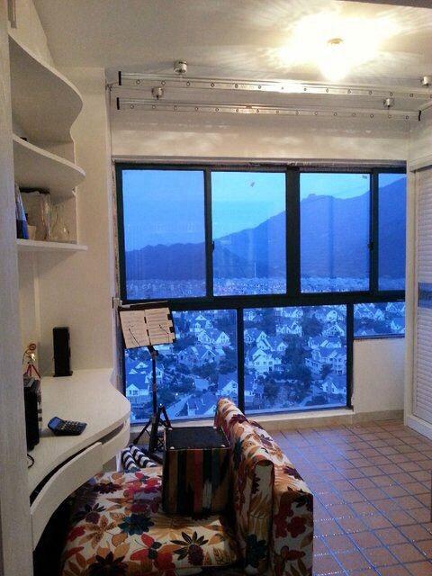 紫荆公寓大阳台,63平可更名,精装修,好楼层,低价甩卖