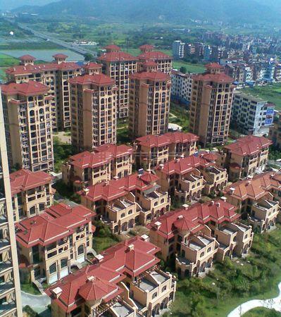 凤凰名城排屋  建筑330平米   急卖550万