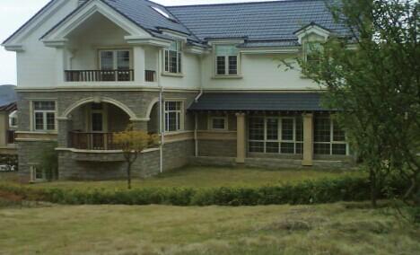 1,小区简介:紫荆庄园三期,有独栋别墅,四合院,小独栋,排屋组成,在