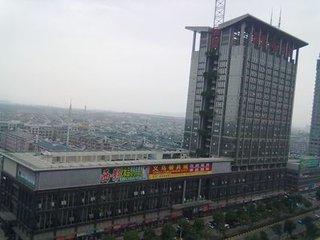国贸大厦、高层朝南,年租9万!