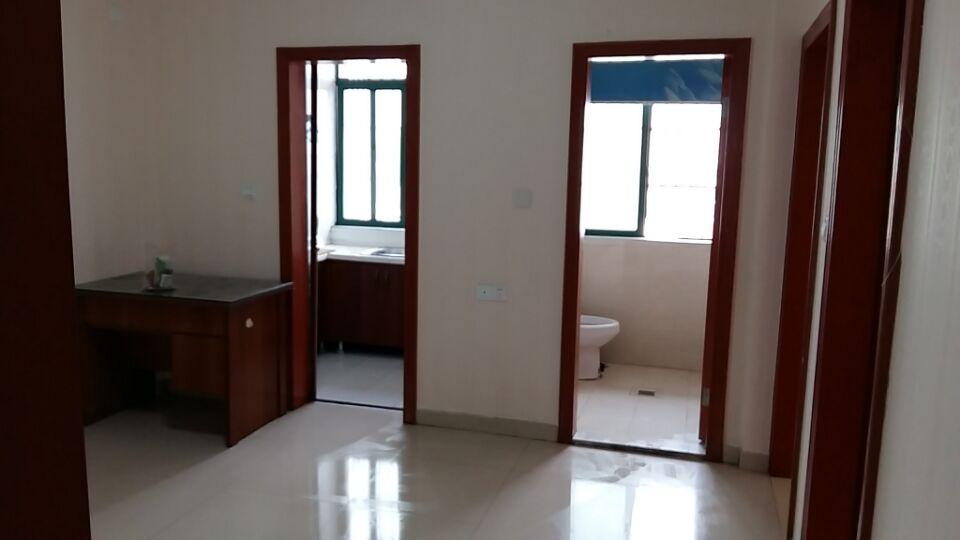绣湖金座2室1厅60�O有物业 有电梯 有家具家电