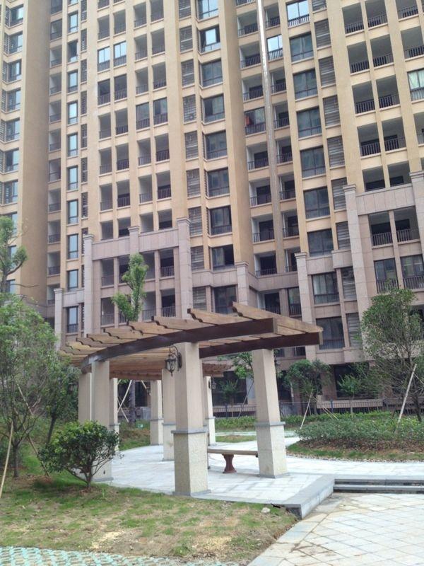 万商顶楼楼中楼外加150平赠送面积 超多阳台 超大露台