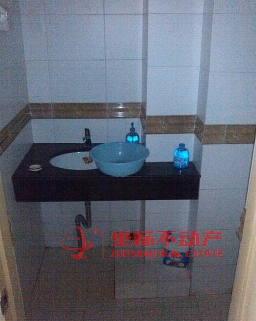 稠江现代公寓A座2室1厅2卫110�O