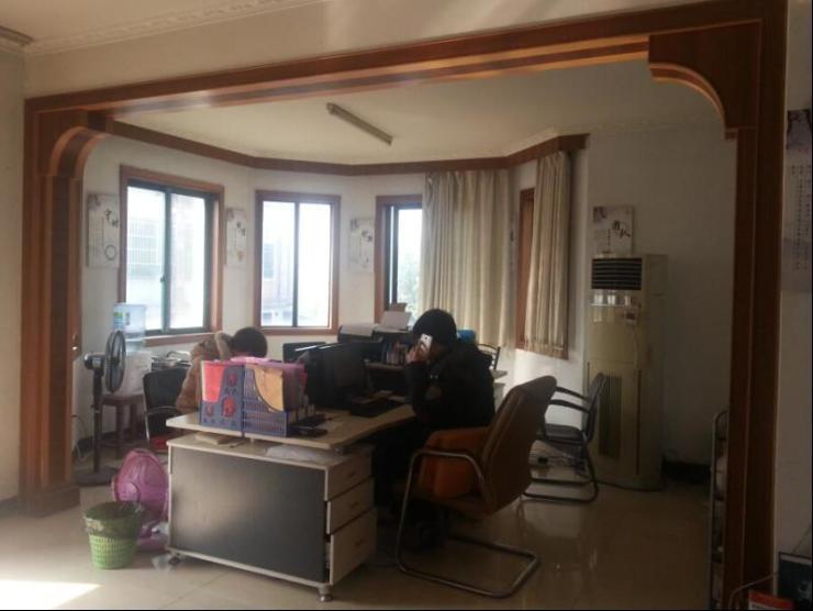 9江东 整栋精装修别墅拎包入住 11室5厅7卫带地下室稀缺中