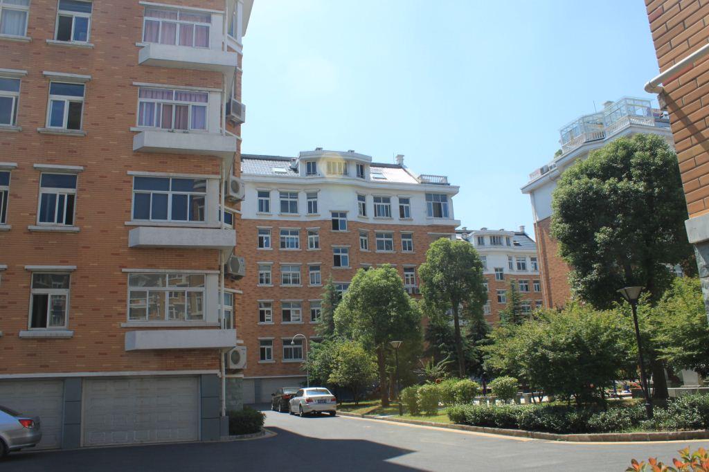 丹桂苑顶楼加超大露台位置好可看公园