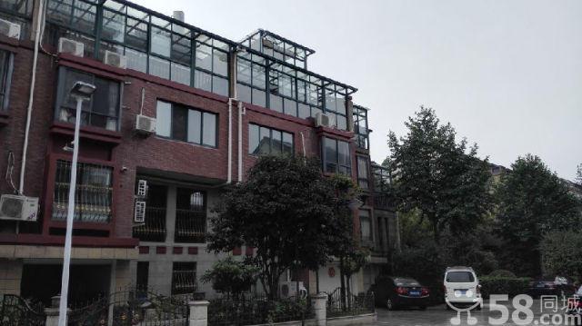义乌市区海德排屋4室3厅3卫300�O