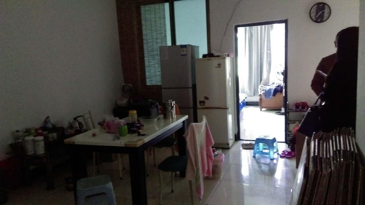 绣湖西路沿街三室便宜租
