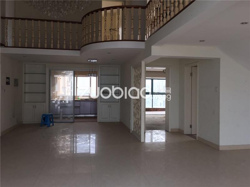 经贝家园楼中楼学区房113平230万