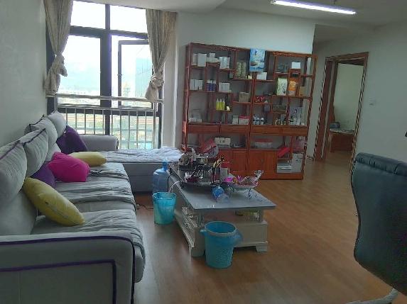 香江公寓可挂学区 拎包入住 超方便