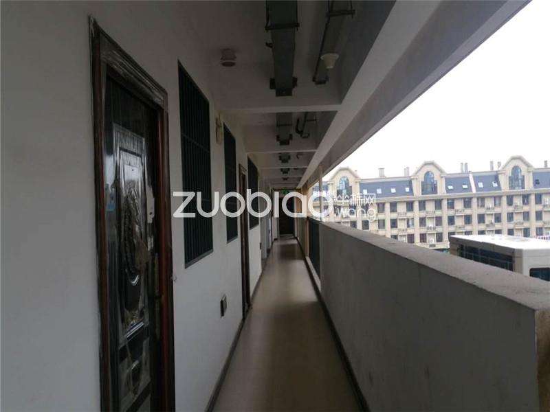 现代广场 毛坯 价格便宜 2阳台