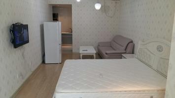 新马路公寓最大面积单生公寓 采光好 干净清爽 随时看东西齐全