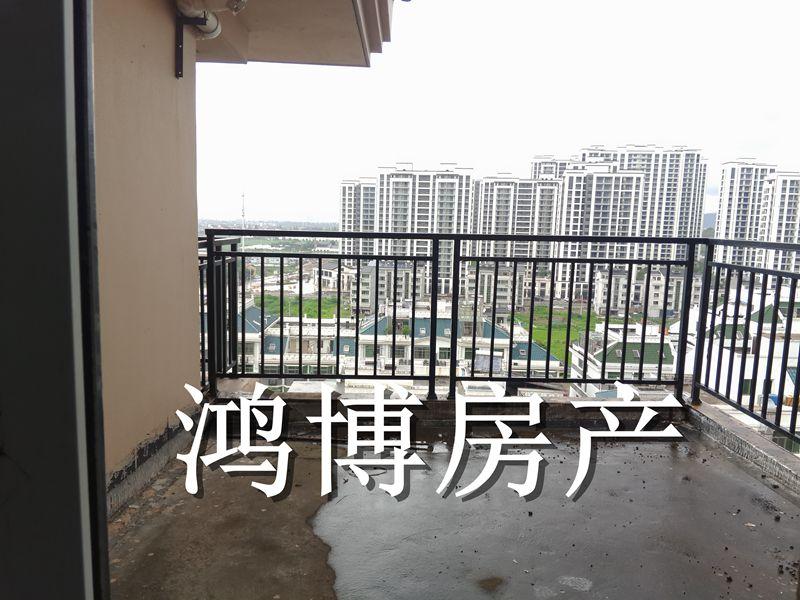 【鸿博-凤凰名城】顶楼带露台四房两卫使用超大随时看房