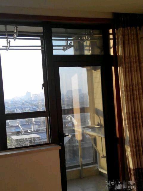江东星辰广场2室精装适合一家人居住 带电梯 家具家电齐全房东