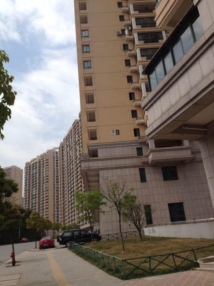 紫荆公寓104平证齐可按揭53万