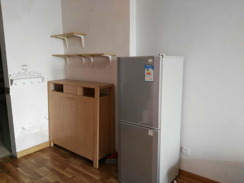 现代公寓最好楼层,116平使用面积,精装修价格可谈8100