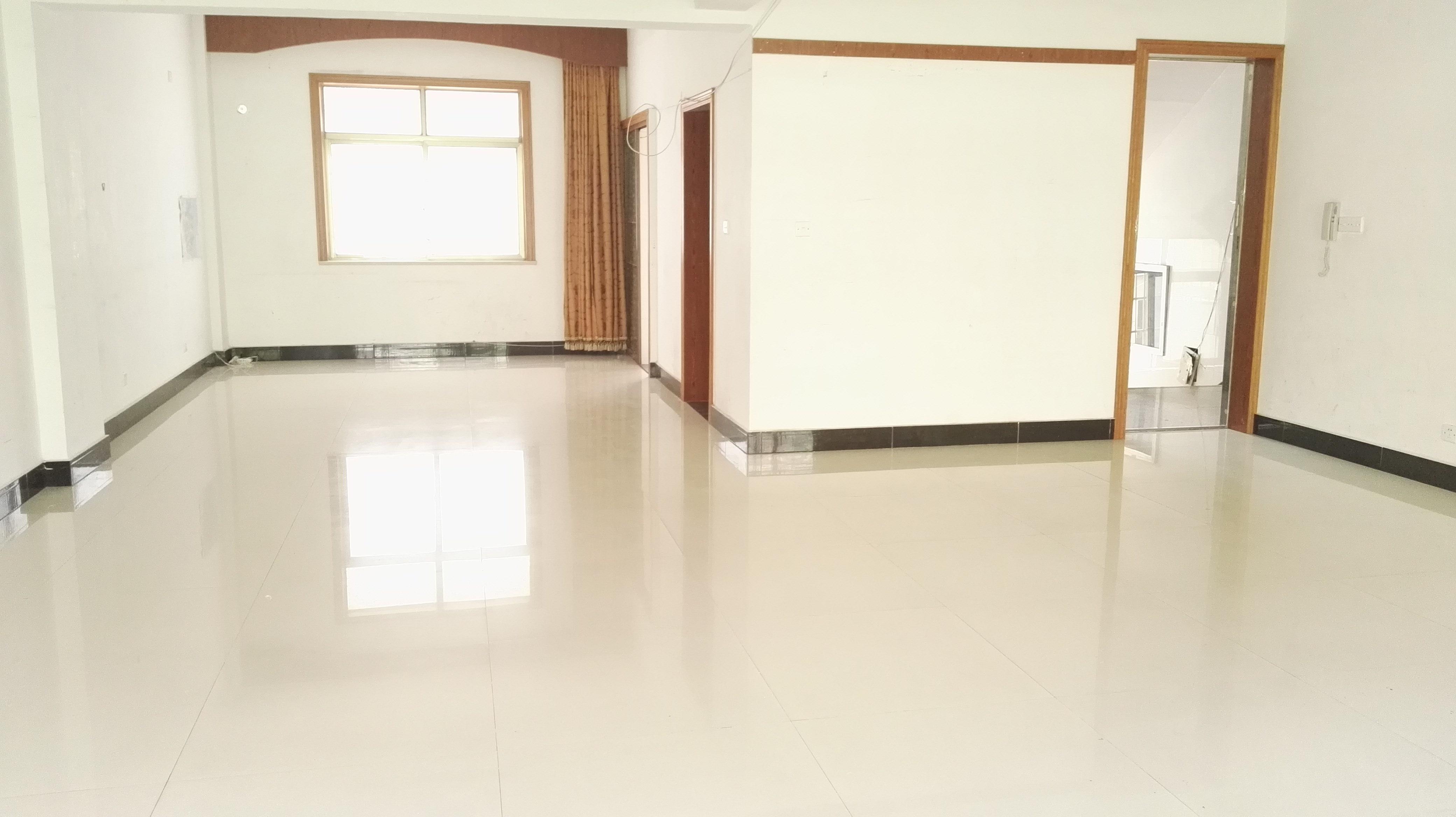 诚信一区1室一厅办公室简单装修出租
