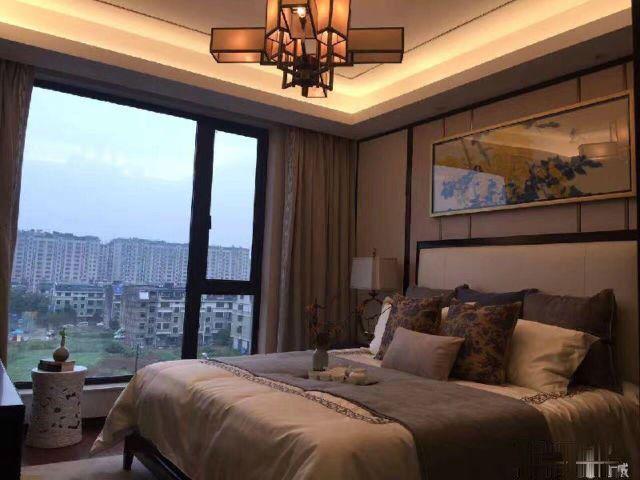 北苑和聚园4室2厅2卫只要8500一平米