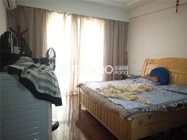 东阳海德社区3室2厅2卫168�O证齐满二装修30万