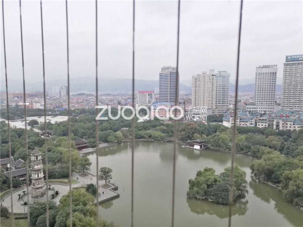 锦绣家园  直观绣湖全景 可看整个湖面  高层房