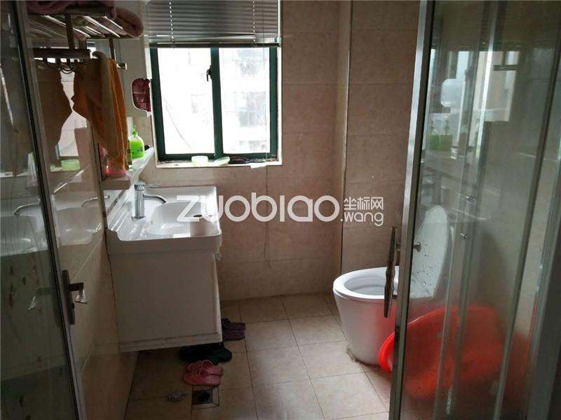【坐标网】紫荆公寓大边套172平98万证件齐全急卖