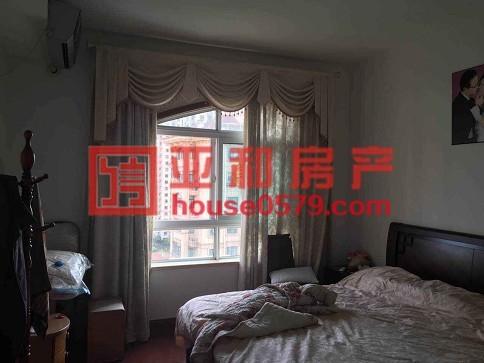 【亚和200%真房源】凤凰名城高楼层精装修135平145万