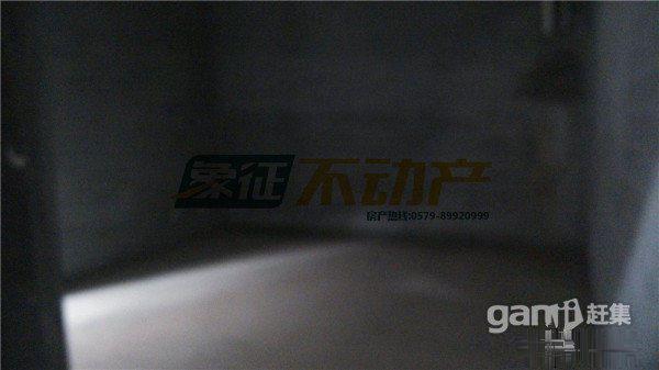 【象征不动产】金东龙庭一品排屋360平带大花园毛坯228万置