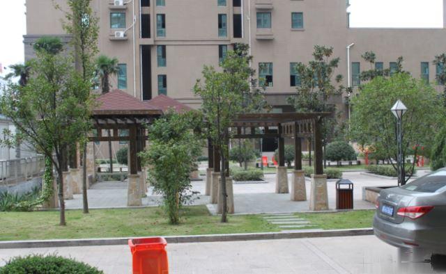 商贸城做生意首选》鑫源国际174平楼中楼送露台110万可按揭