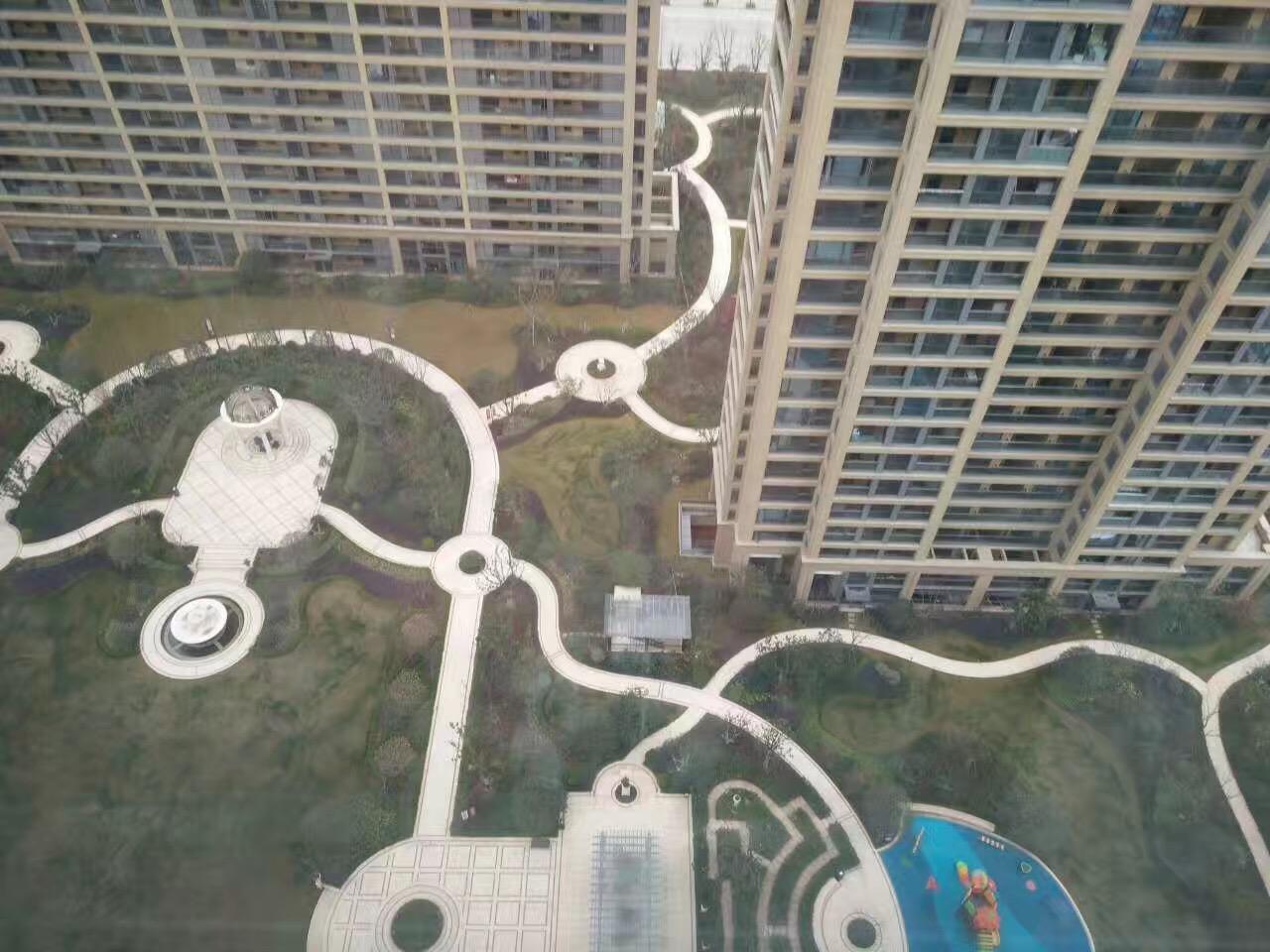 绿城玫瑰园156平米绝佳户型出售,带车位、储藏室!
