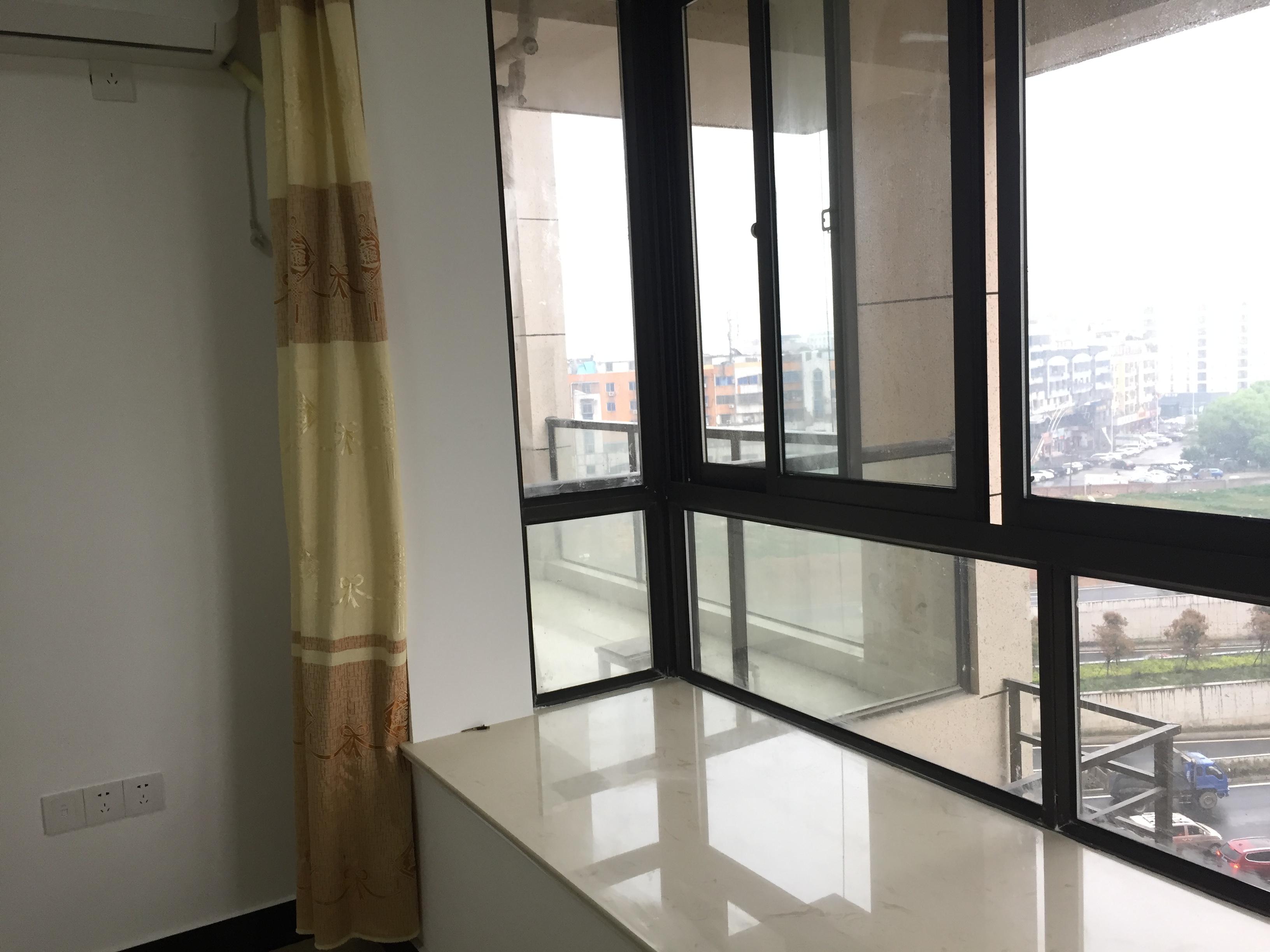 市中心宾王海景花园2室2厅1厨1卫1阳台