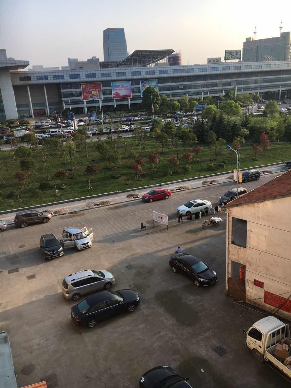 国际商贸城40米 展示厅办公室仓库淘宝一层