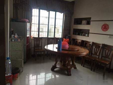 稠江香山小区楼中楼 5室精装修 仅售150万