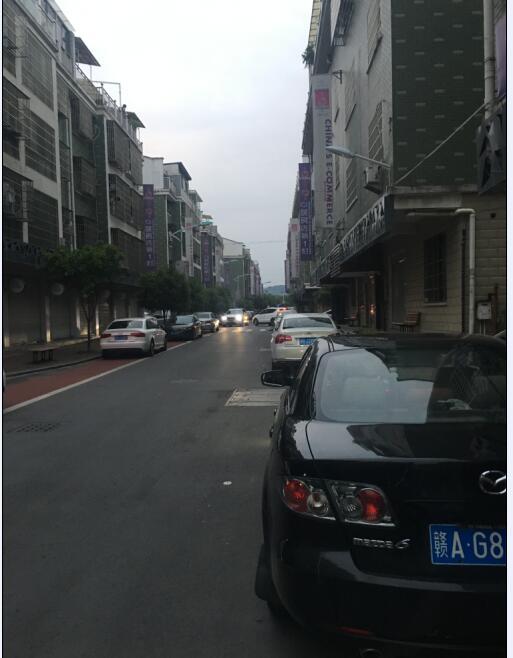 青岩刘B区26幢四间地下室出租位置佳