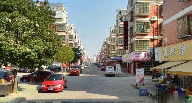 春江路垂直房占地一间半5层360万建筑面积212平