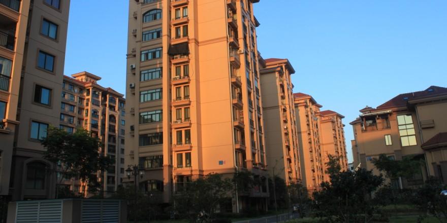 凤凰名城117平三室户型好简装证齐满二130万
