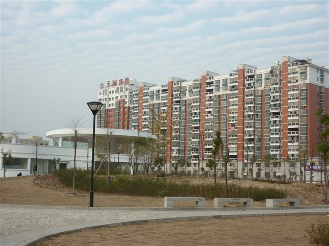 月湖公寓122平简装三室边上月湖公园上溪中小学证齐满二