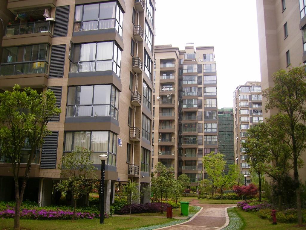 金城高尔夫二期使用面积250楼中楼中装修200万带车库证齐