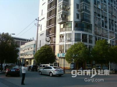 沪江公寓88平 中等装修 朝南  边套 证齐满二 北苑中小学