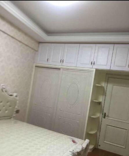 紫荆公寓96平清爽装修 高楼层 证齐满二 68万