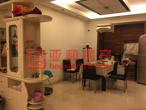 【新科花园】黄金楼层 158平三室双阳台 南北通透户型
