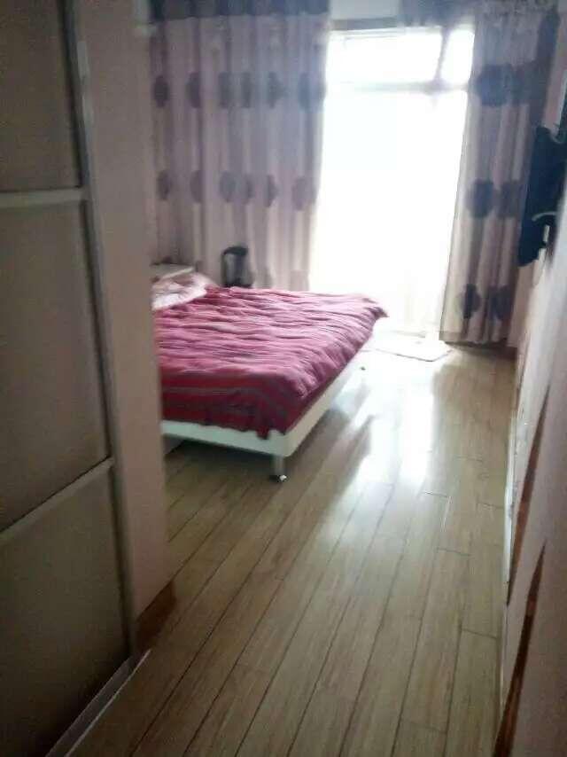 新马路公寓40平155万诚售 绣湖中小学学区