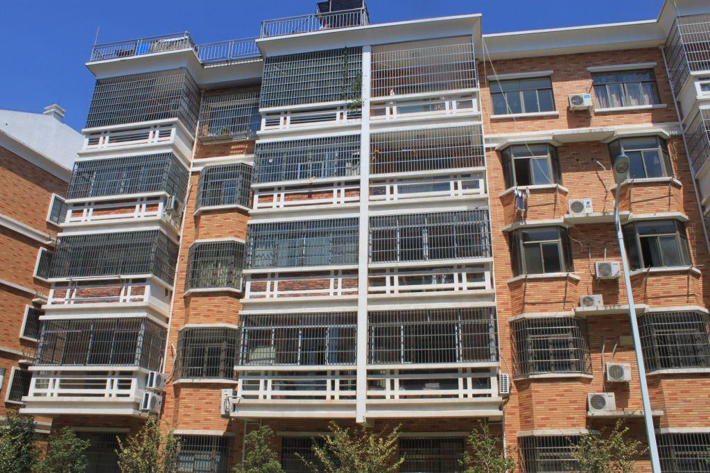 丹溪三区时代花园16栋501室