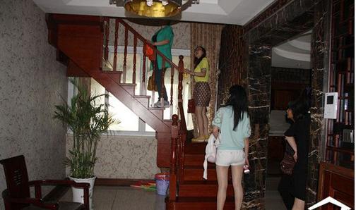 江东新村,楼中楼,3+4楼,房东急用钱诚心出售,学区房@¥¥