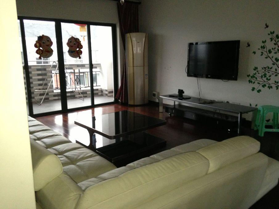 锦都豪苑、别墅级的小区,优雅的环境,好楼层,位置好,诚心出售