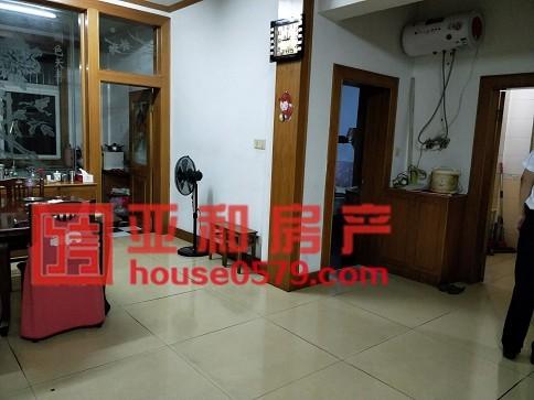 【鹏城小区】市场稀缺房源 116平138万 清爽装修送家具