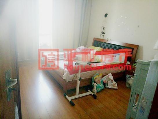 【新科花园-158平套间】简装修 3室2厅 248万